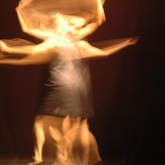 《無形接觸》於香港「多空間」Y-劇場之預演。