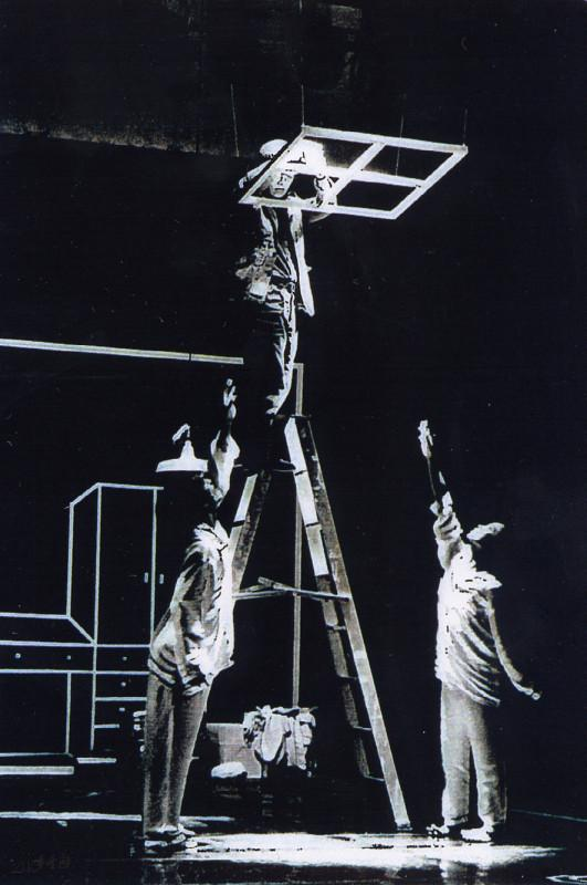 1998年《不是雙人房》被邀往參與廣東 現代藝術小劇場展演 (左起:馬才和、 馬財勝及嚴明然)。