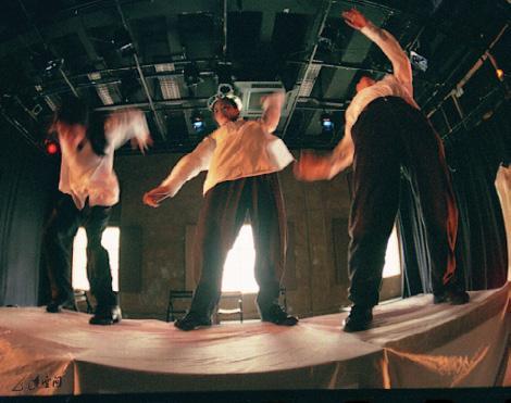 《夢都市》1998年於香港中環藝穗會之演出。