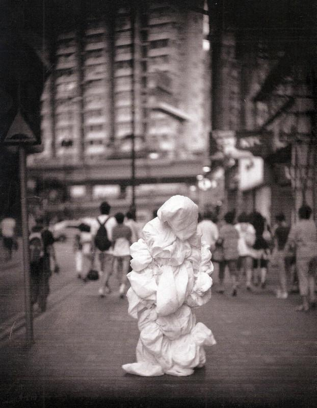 2008年6月21日《呼吸I》於銅鑼灣時代廣場的演出。 3, 4之攝影 Bobby Sham