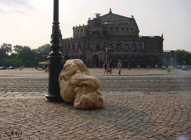 2002年《呼吸I》於德國德勒斯登的演出。