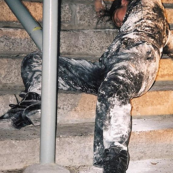 2001年乙城節《山水磅巷客賓臨》 於上環磅巷之演出。