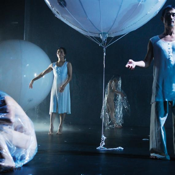 《呼吸II ― 現象》2007之首演於香港牛池灣文娛中心劇院。 攝影 Jesse Clockwork