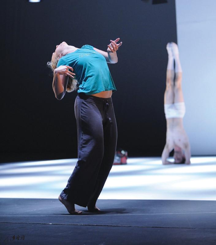 來自波蘭SDT的舞者,左起Anna Piec及Daniel Galaska 。 攝影 Alfree Wong Man Hei